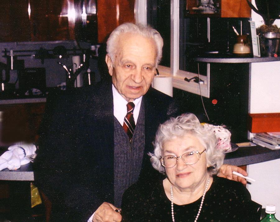 8.Ефим и Галина. Празднование нового года 2002. Чикаго, Иллинойс